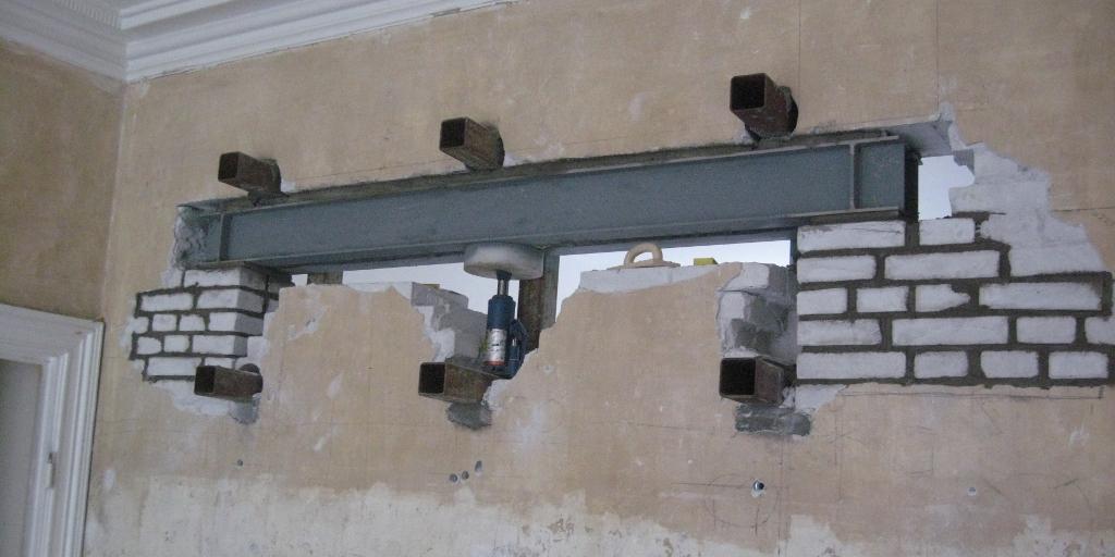 Midlertidig afstivning i forbindelse med nedrivning af bærende væg